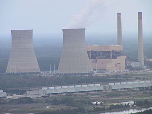 English: Crystal River coal power plant, April...