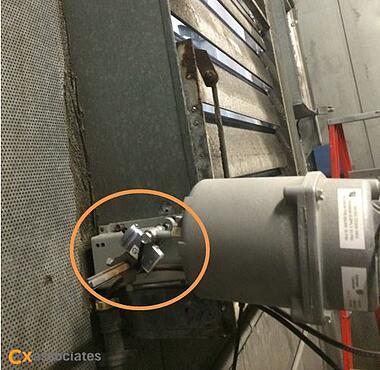 Figure 1. Example of tilt logger installation on damper actuator arm