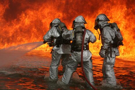 Aircraft_Rescue_Firefighting_training.jpg
