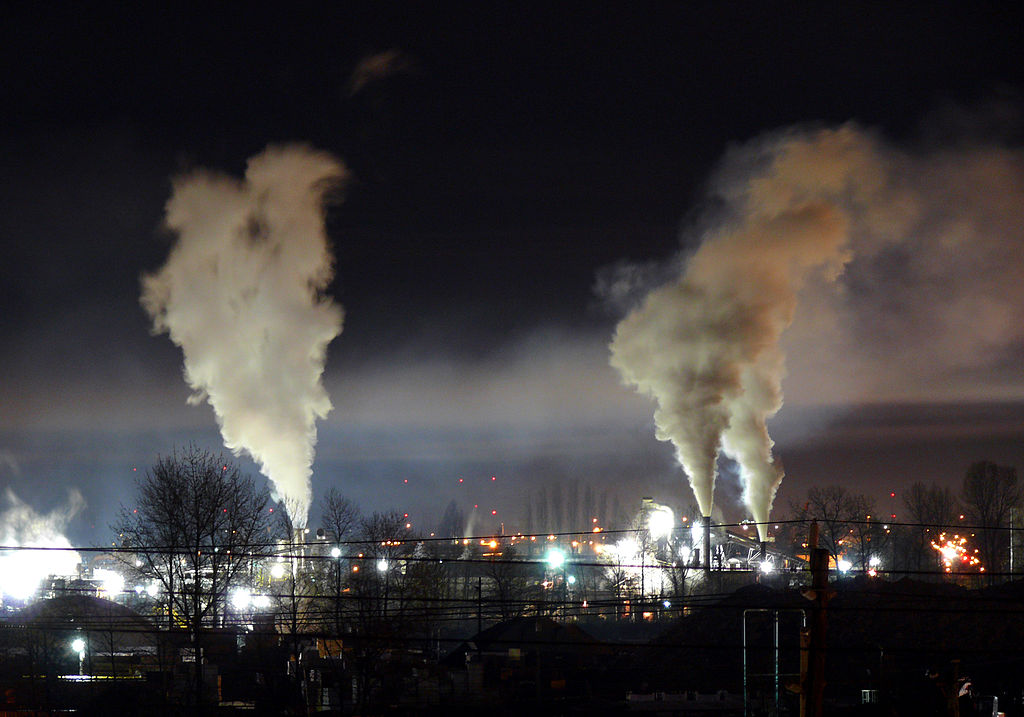 Heavy_night_industrial_light_pollution (1).jpg